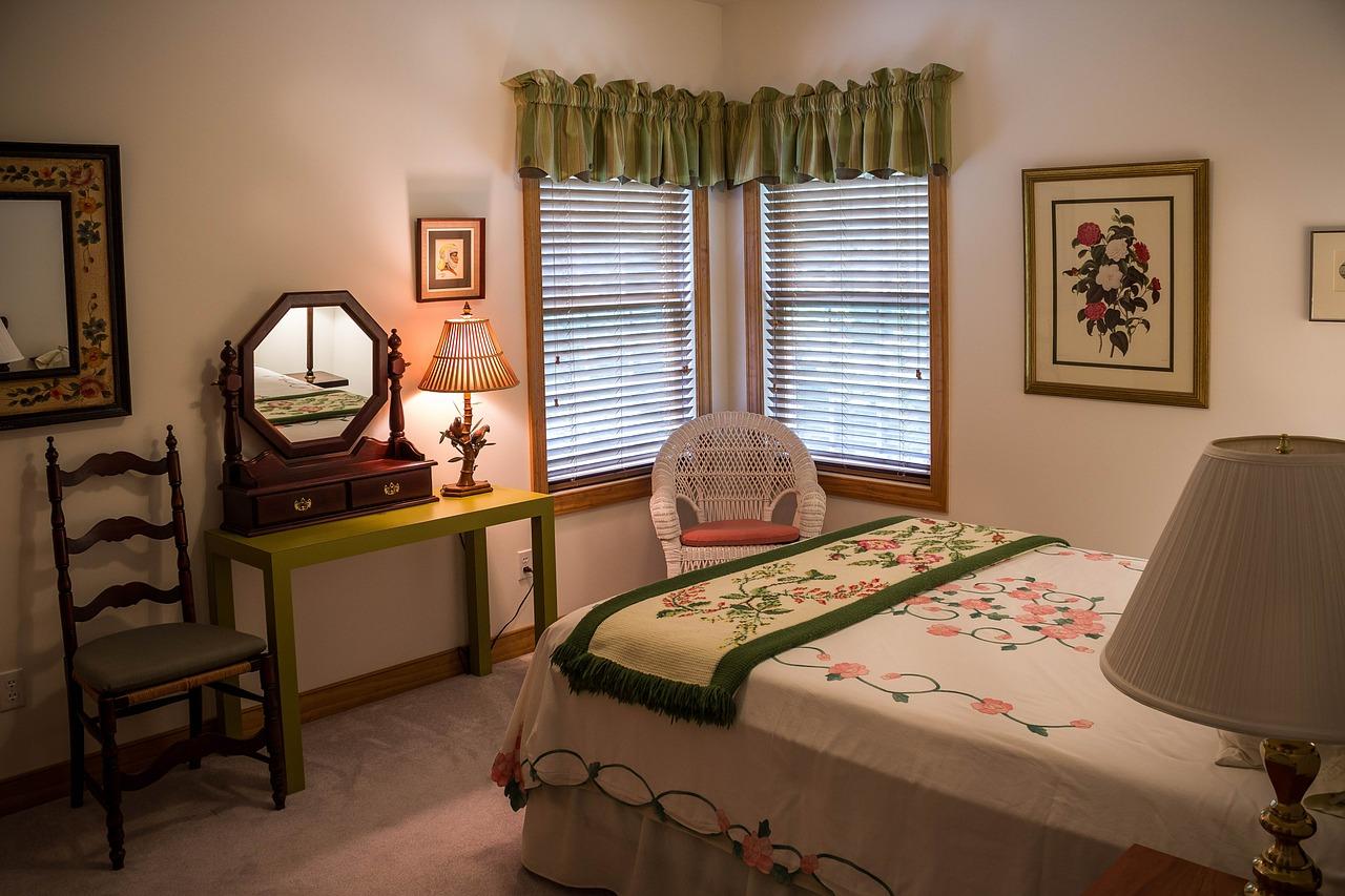Waarom een grote spiegel op de slaapkamer slecht is happy holon